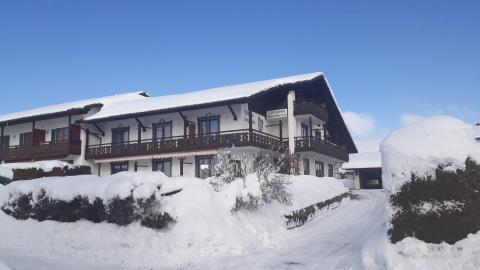 Eine preiswerte Übernachtung nahe der Zugspitze im Gästehaus Bergfrieden