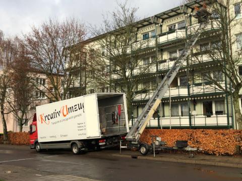Die Profis von Kreativ Umzug in Schwerin bieten Ihnen einen Liftservice