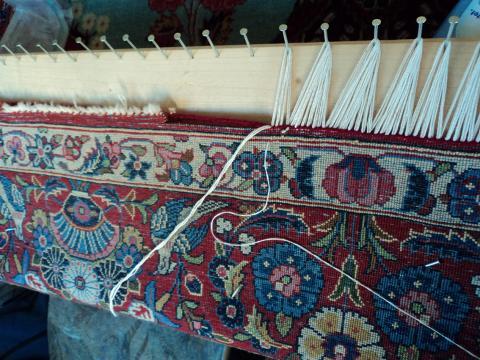 Teppichgalerie Kunst weiß wie eine Teppichreinigung abläuft
