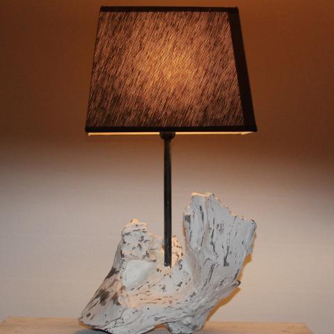 Wunderschöne Holzlampen für Ihr Wohnzimmer